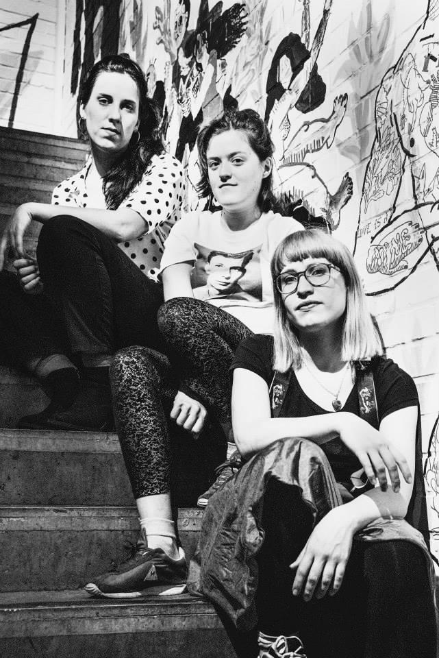 'Tieten met haar' - Mathilde Vangheluwe, Valentine Gallardo & Jana Vasiljevic
