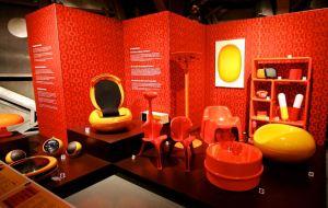 Atomium Orange  Dreams