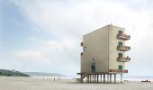 Filip Dujardin: architecturale realiteit en foppende fictie