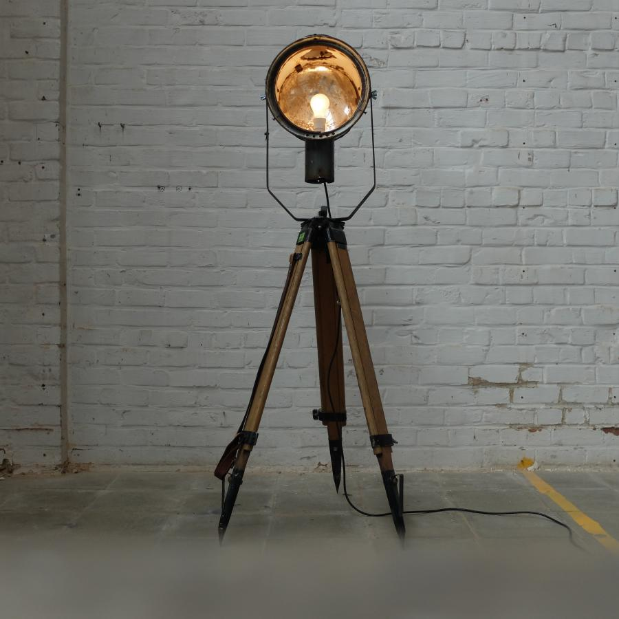 Znor magazine bold industrieel design uit vervlogen for Lamp industrieel